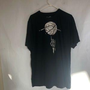 XL Basketball Under Armour T Shirt